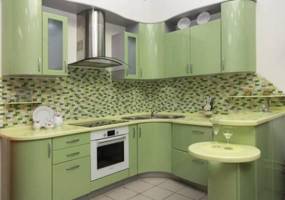 Материал: МДФ, ПВХ   Размер кухни: 4.1 х 1.8 метра    Стоимость кухни: 29 520 грн